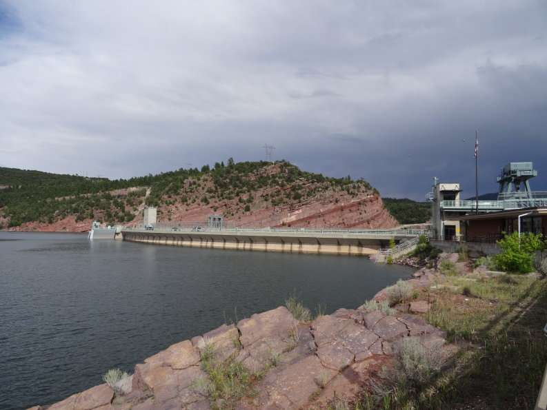 flaming_gorge_dam